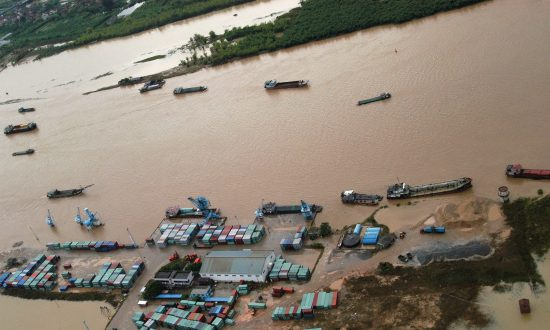 China Floods: 97 Deaths and 1.4 Million Evacuated