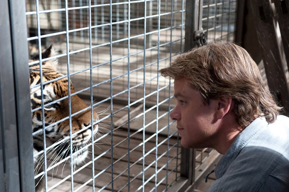 man and tiger in We Bought a Zoo