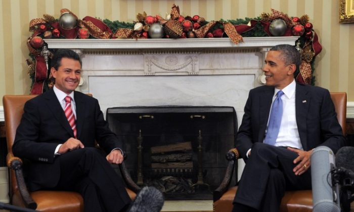 U.S. President Barack Obama with President-elect Enrique Peña Nieto of Mexico  at the White House Nov. 27, 2012. (Jewel Samad/AFP/Getty Images)