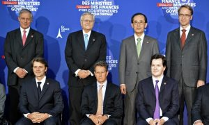 G-7 Plays Down Currency War Risk