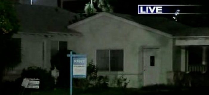 A vacant house in Northridge, Calif., one of a few locations abductors are believed to have brought a 10-year-old girl who was found and returned to her family Wednesday, shown in a KTLA broadcast. (Screenshot via The Epoch Times)