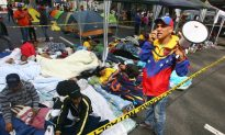 Hugo Chavez Near Death: Venezuela's Hugo Chavez Fighting for Life