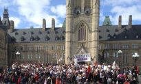 Chief Slams Harper's Absence at Rally for First Nations Walkers