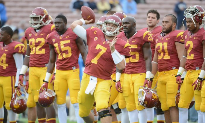 Matt Barkley #7 of the USC Trojans warms up before the game between the UCLA Bruins at Rose Bowl on November 17, 2012 in Pasadena, California. (Harry How/Getty Images)