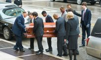 Ebert Funeral Protest Doesn't Happen; Critic Celebrated at Wake