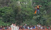 Ponytail Stunt Death: Indian Daredevil Dies 600-Feet Over Water (+Photo)