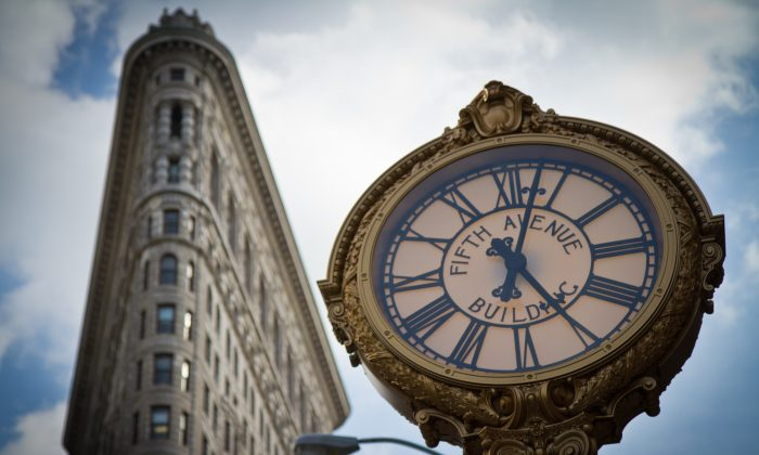 The iconic 5th Avenue clock in the Flatiron District of Manhattan. (Benjamin Chasteen/The Epoch Times)