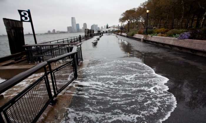 A view of Battery Park in New York in the morning of Oct. 29, before Hurricane Sandy hit. (Amal Chen/The Epoch Times)