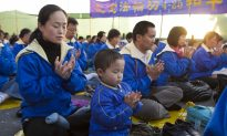 Falun Gong Practitioners Commemorate April 25 Around the World (Photos)