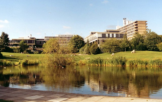 The University of Bath campus at Claverton Down, where former Chinese student Yang Li tried to bribe his tutors into letting him pass his degree. (Philip Pankhurst/Wikimedia Commons)
