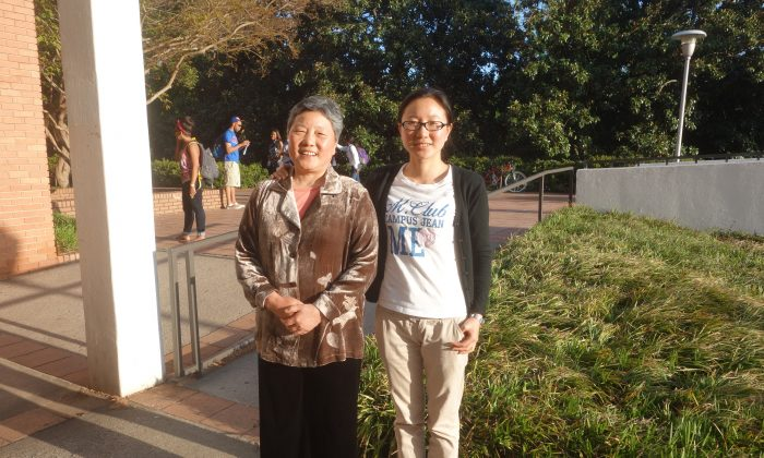 Mother and daughter Xiuying Zhang and Huili Li at Clemson University on April 23, 2013. (Mary Silver/Epoch Times Staff)