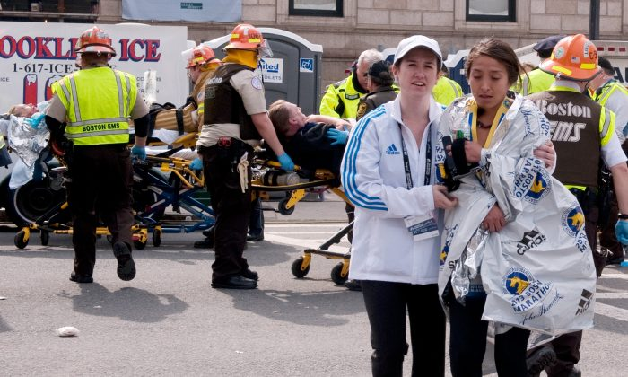 After the explosions, near the finish line. (The Epoch Times)