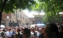 Retired Military Officers, Broke and Desperate, Protest in Beijing