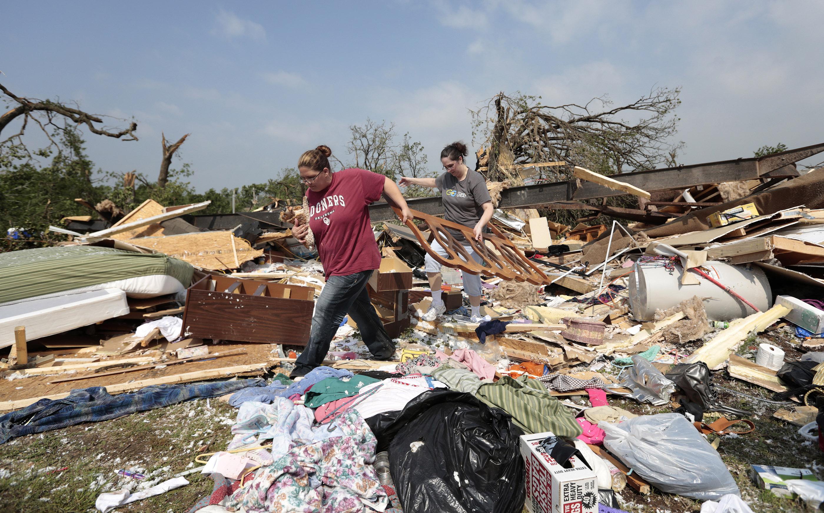 tornado dead body pictures - HD1500×934