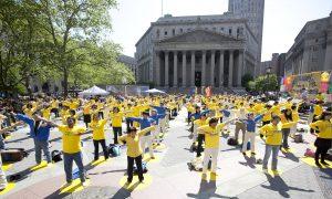 New Yorkers Celebrate Falun Dafa's 21 Years (+Video)
