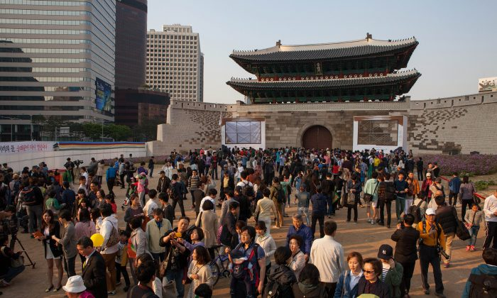 Namdaemun Gate in Seoul, also known as Sungneymun, was officially opened to the public on Saturday May 4th after 5 years of repair work. (Jarrod Hall/The Epoch Times)