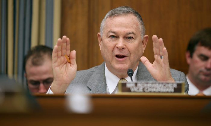 Congressman Dana Rohrabacher (R-CA) at a hearing in Washington D.C. on March 19, 2013. Congressman Rohrabacher has called on the Taiwan administration to resist pressure from the Chinese Communist Party over press freedom. (Chip Somodevilla/Getty Images)