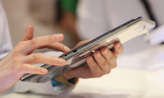 Tablets Set to Overtake Laptops This Year, Desktop PCs by 2015