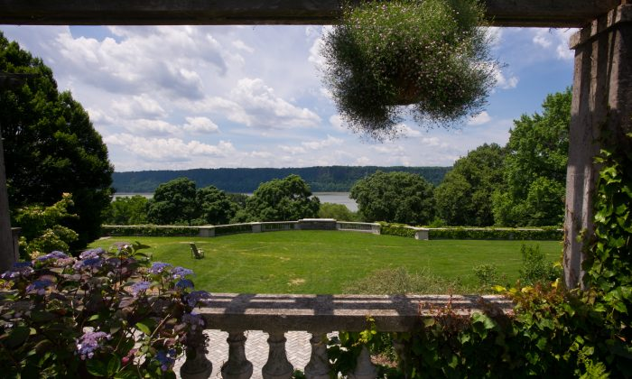 Visitors enjoy a variety of outdoor activities at Wave Hill, a series of public gardens that overlook the Hudson River in the Bronx. (Courtesy of Wave Hill)