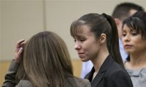 Jodi Arias Trial: Experts Weigh in on Decision to Represent Herself