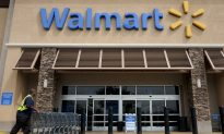 Woman Banned From Texas Walmart for Eating Half a Cake
