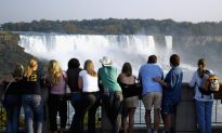 Canada Quits Competing for US Tourists