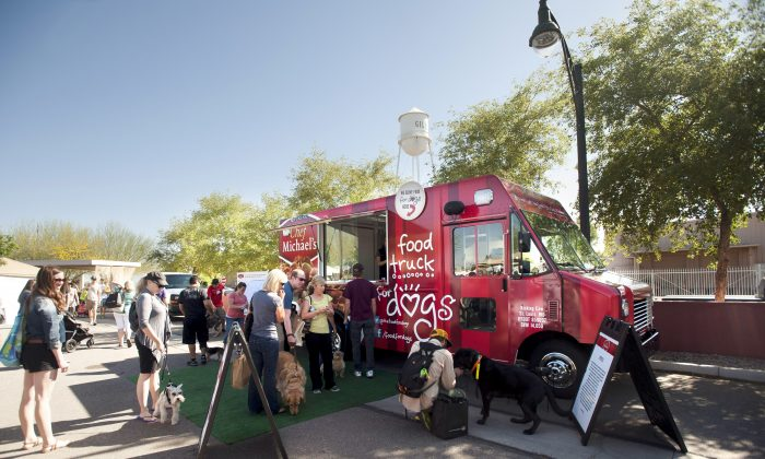 A food truck for dogs will be in NYC on June 29. It is run by celebrity Chef Michael's. Chef Rocco DiSpirito is parterning with Chef Michae's for his upcoming event. (Courtesy of Chef Michael's)