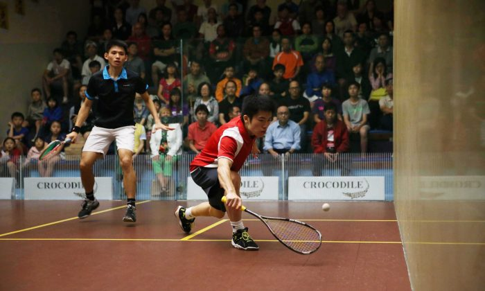 Leo Au preparing to play a front corner drop shot in the Final of the Crocodile Hong Kong Squash Championships against Max Lee on Saturday June 22. Au won this encounter to win the tournament for the second consecutive time. (Hong Kong Squash)