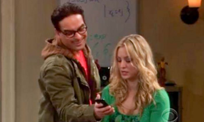 "Johnny Galecki (Leonard) and Kaley Cuoco (Penny) on ""The Big Bang Theory."" The sitcom won best comedy series at the Critcs' Choice Television Awards on June 10, 2013. (Screenshot/Youtube)"