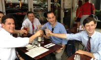 Sidewalk Brunch at 10 a.m. on Sunday? Now Legal in NYC.