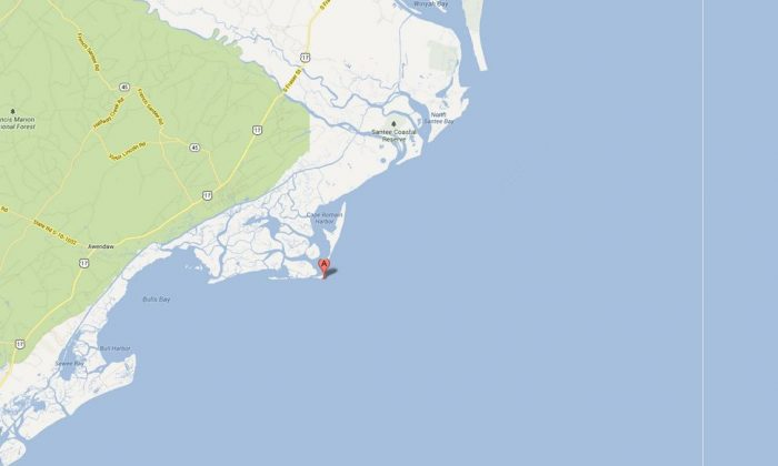 A Google Maps screenshot shows Cape Romain, S.C., near where the shipwreck is located.