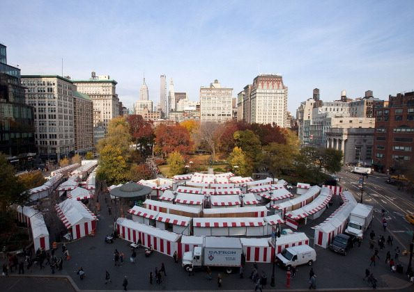 A lawsuit against the market and proposed restaurant at the Unioin Square Pavilion was recently rejected by state appeals court. Above, the Union Square Holiday Market on Nov. 14, 2011, in New York City. (Dario Cantatore/Getty Images)