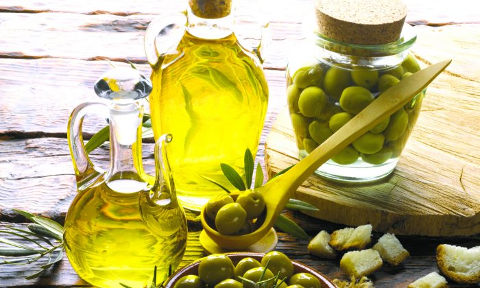 As varied as wine, it's important to know how to identify a good olive oil. (Juan Ignacio Laboa/photos.com)