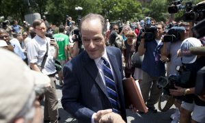 'I want to serve:' Eliot Spitzer Faces Public at NYC's Union Square