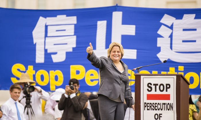 """Congresswoman Ileana Ros-Lehtinen (R-Fla.) speaks at the public rally """"Call for an End to the Persecution of Falun Gong in China"""" at the West Terrace Lawn of the U.S. Capitol in Washington, D.C. on July 18. She, along with Congressman Robert Andrews (D-NJ), introduced House Resolution 281, which calls for the People's Republic of China to stop harvesting organs from prisoners of conscience. (Edward Dai/Epoch Times)"""