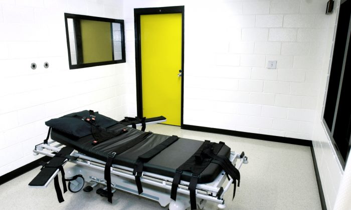The death chamber at the state prison in Jackson, Ga., on Oct. 24, 2001. (Ric Feld/AP Photo)