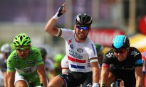 Cavendish Gets First 2013 Tour de France Stage Win