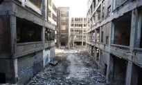 David Gregory Asks Gov. Snyder if Bailing Out Detroit is the Right Answer