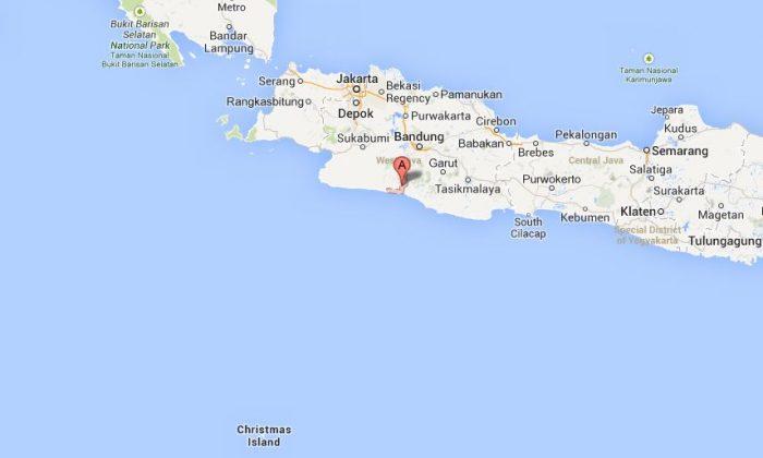 A screenshot of Google Maps shows near where the boat sank.