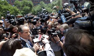 15 Photos of Eliot Spitzer Surrounded in Union Square
