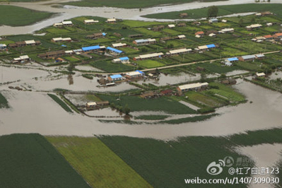 A view of flooded cropland in China's northeastern Heilongjiang Province is seen in this photo posted to the microblog platform Weibo. Continuous rainfall in the region has resulted in the worst flooding in thirty years. (weibo.com)