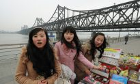 Chinese Tourists Behave Badly in North Korea