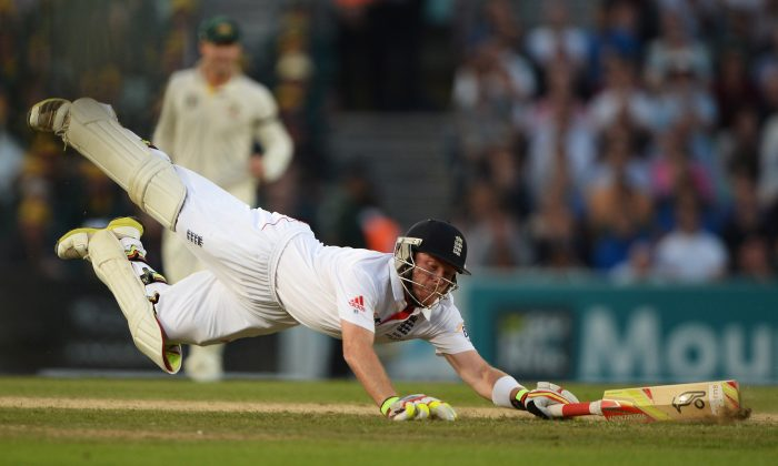 Man of the Series ... England's Ian Bell dives as he is ran out during day five of the fifth 2013 Ashes Test match against Australia. Bell scored a total of 562 runs that included three centuries during the 5-Test series. (Gareth Copley/Getty Images)