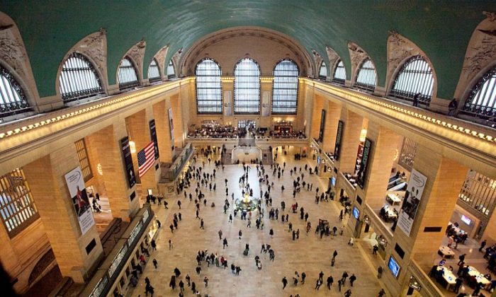 Grand Central's unique design facilitated the easy movement of thousands of commuters and tourists. (Samira Bouaou/The Epoch Times)