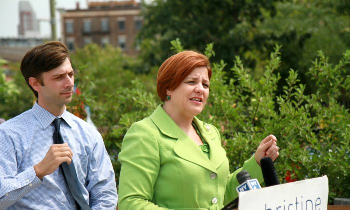 City Council Speaker and mayoral candidate Christine Quinn speaks about her proposal to open five all-girls science, technology, engineering, and math (STEM) schools, Brooklyn Bridge Park, New York City, Aug. 26, 2013. (Ivan Pentchoukov/Epoch Times)
