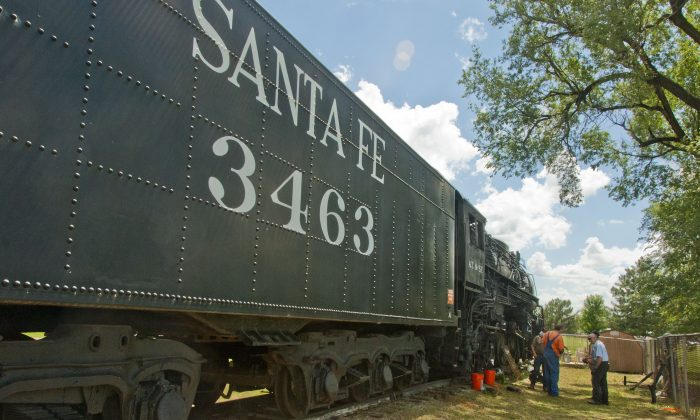 Topeka & Santa Fe No. 3463 was built in 1937. With a few modifications, engineers say this retired train will soon reach speeds of more than 130 mph, and leave little carbon foot print. (Coalition for Sustainable Rail)