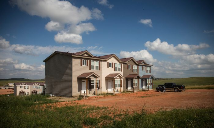 Townhouses are seen next to a highway in North Dakota, July 29, 2013.  (Andrew Burton/Getty Images)