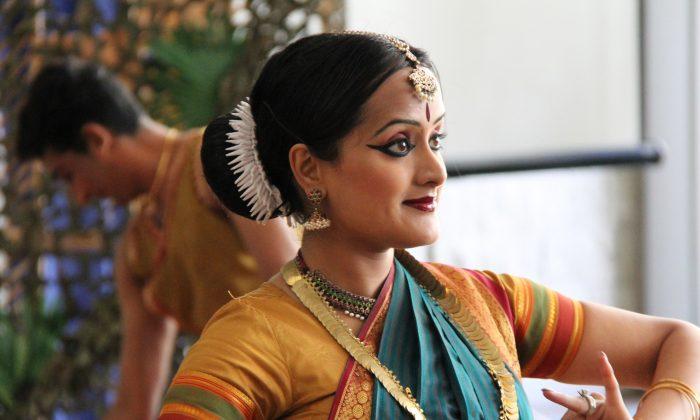 "Neena Jayarajan from the Menaka Thakkar Dance Company as Sita in ""Prince Rama in the Wilderness."" (Pam McLennan/Epoch Times)"