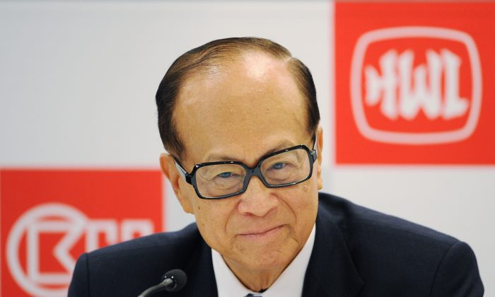 Hong Kong billionaire Li Ka-shing at the Hutchison Whampoa company's annual results announcement in Hong Kong on March 29, 2011. (Ed Jones/AFP/Getty Images)