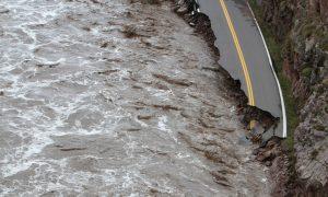 Estes Park: Roads Crumble in Colorado Town (+Photos)
